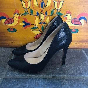 Jessica Simpson Black Iridescent Snake Pumps Sz 6M